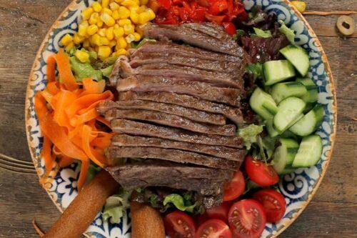 Izgara biftekli salata